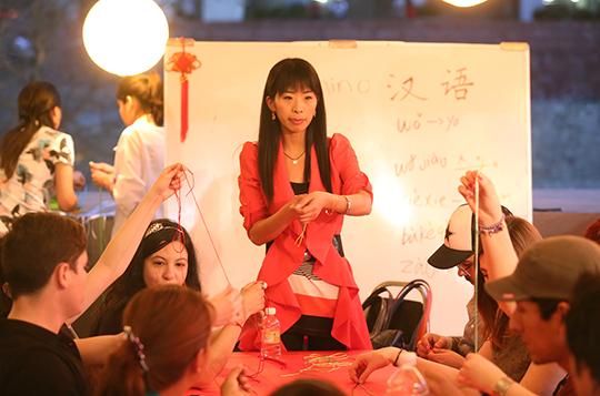 imagen-se-impartieron-cusros-de-chino-y-laboracion-de-artesanias-chinas