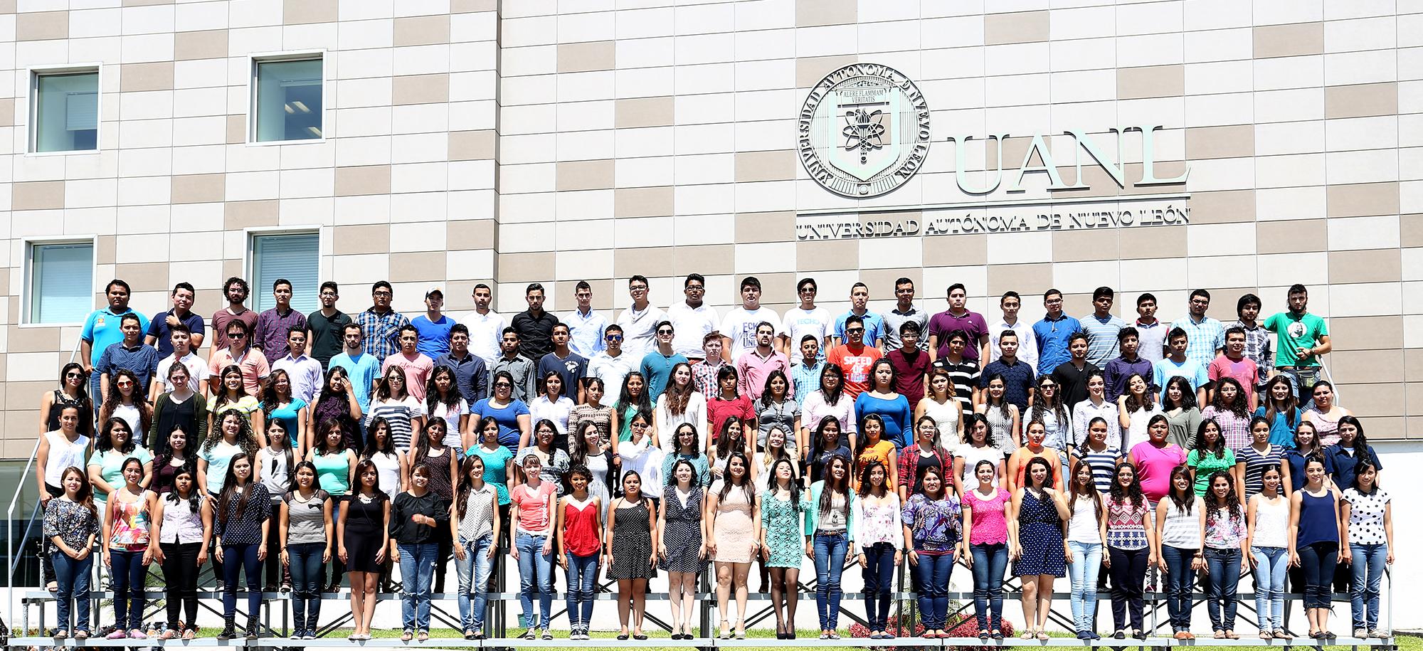 Extra Estudiantes de intercambio nacionales y extranjeros en la UANL
