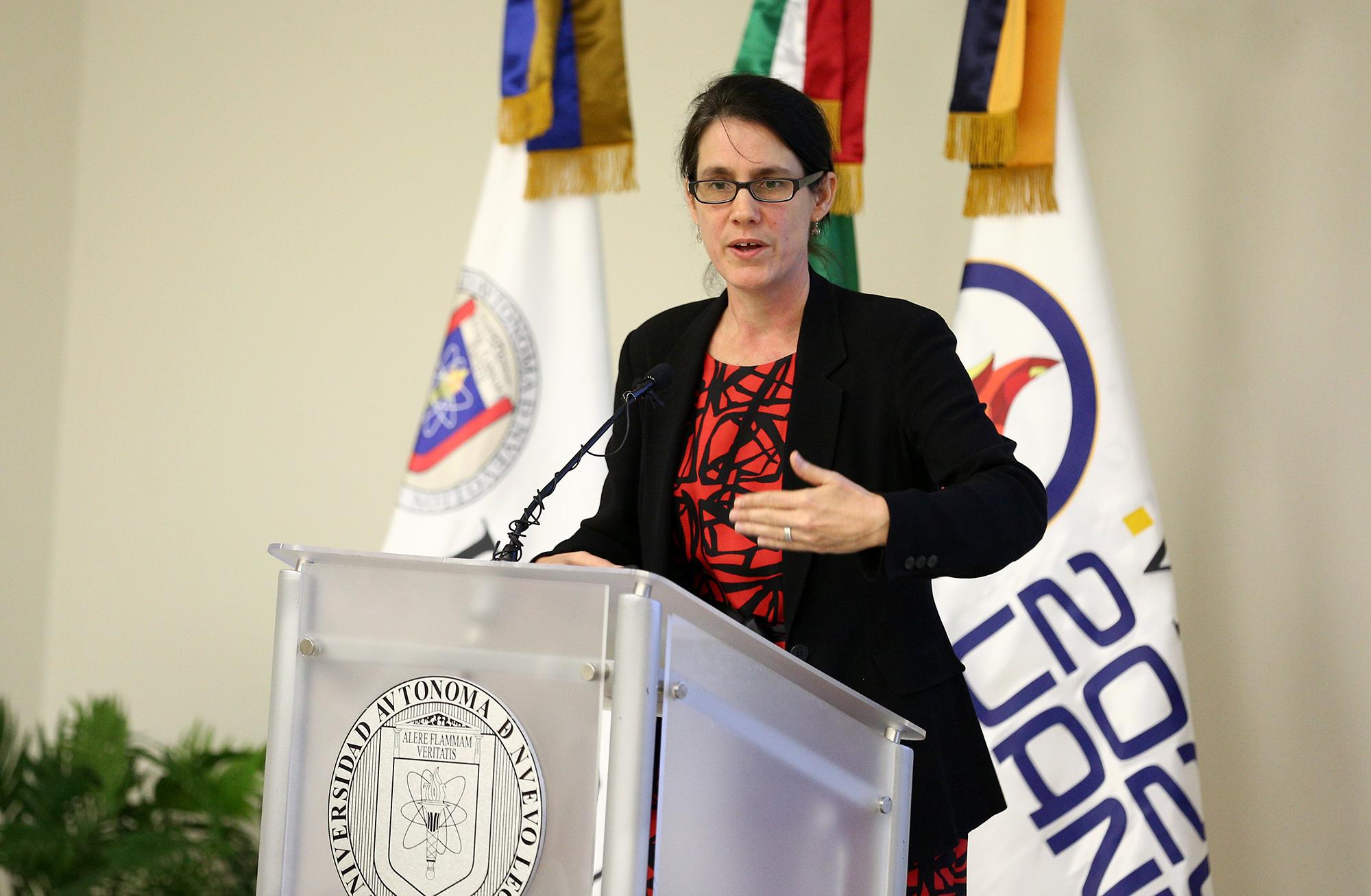 Extra Profra Deanna Meth, de la Universidad de Sheffield, Reino Unido