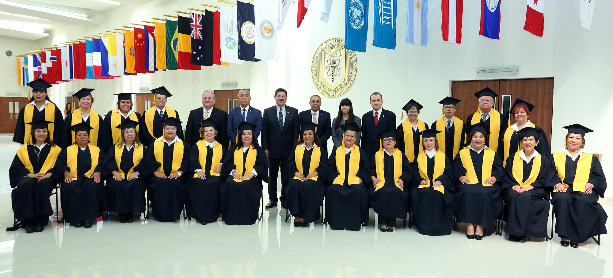 1Veintidos mujeres y Tres hombres conforman la cuarta generación del Diplomado